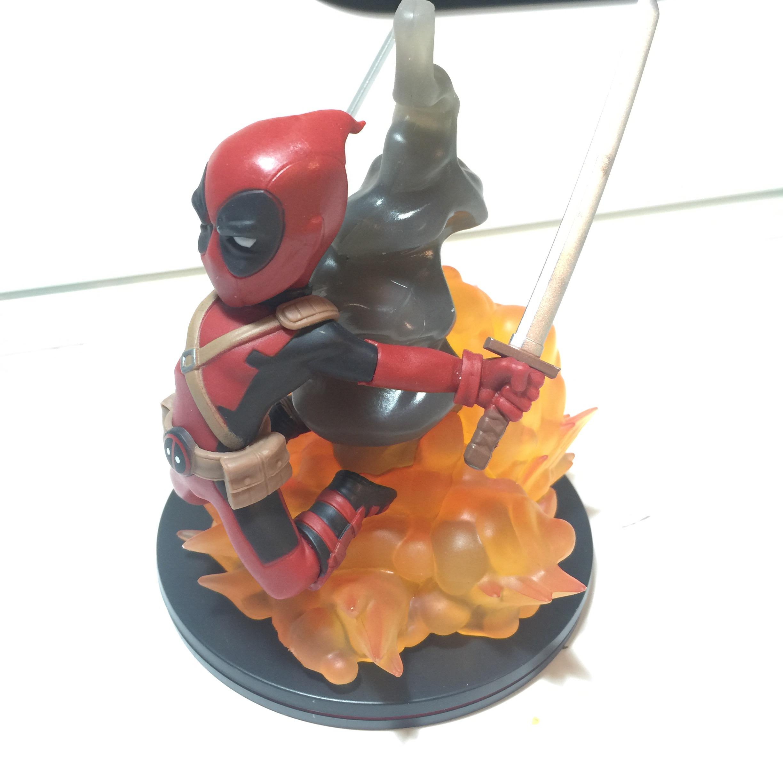 Lootcrate deadpool figurine